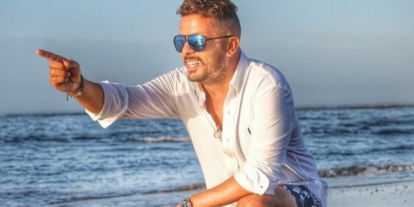 حاتم عمور كيوجد اغنية جديدة – تصويرة