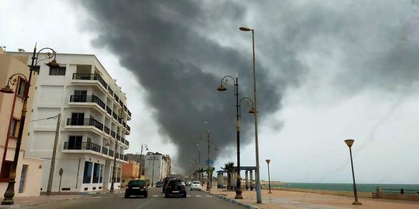 خلعة هي. العافية شعلات حدا مطار الداخلة