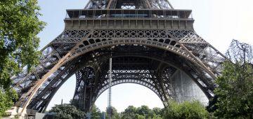 """باريس تقلبات اليوم.. مكالمة على وجود قنبلة فـ""""برج إفيل"""" شعلات استنفار كبير والسلطات خواتو"""