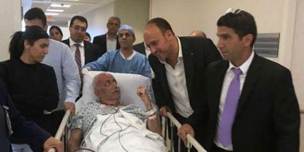 بعد ما ضربات صائب عريقات كورونا. كبير مفاوضي فلسطين فضل يتعالج فاسرائيل على الاردن