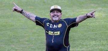 دييكَو مارادونا: حلمي فعيد ميلادي الـ60 نماركي بيت اخر ضد النكَليز
