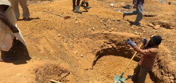 جريمة ضد الإنسانية. الجيش الجزائري حرق جوج منقبين من تندوف حتى للموت