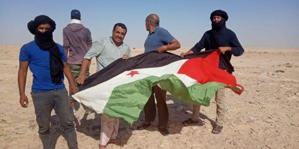 بعدما جرات عليهم البوليساريو. جوندارم موريتانيا قرقبو على المحتجين لي فالكَركَرات