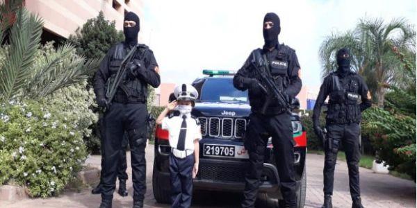 """الحموشي تفاعل مع الطفلة """"حفصة"""" اللّي عبرات عن تعلقها بمهنة البوليس: ها شنو اعطاوها وها شكون استقبلها"""