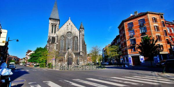 بلدية فبلجيكا ترونات بسباب قرار قضائي بعدم متابعة بوليسيين عندهم علاقة بمقتل مغربي