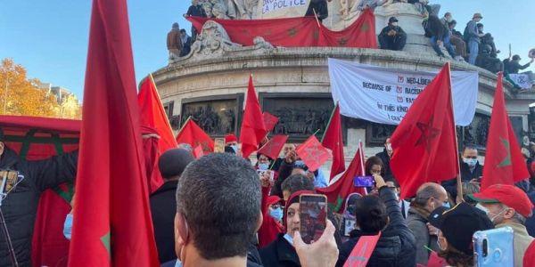 مغاربة خرجو يحتجو على البوليساريو ويدافعو على السيادة دالبلاد فباريس والجبهة بغات تشوش – تصاور وفيديو