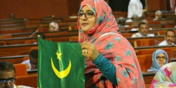 """رئيسة لجنة الشؤون الإقتصادية بالبرلمان الموريتاني لـ""""كود"""": كنرحبو بفتح معبر الكَركَرات بلا خسائر فالأرواح"""