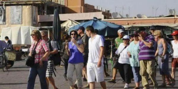 ها علاش المغرب غاذي يخفف اكثر ويستقبل سياح بعد رمضان