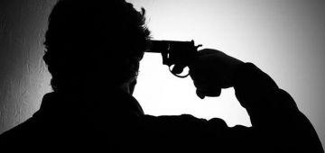 انتحار بوليسي بسلاحو الوظيفي فالعيون