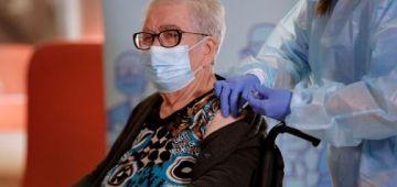 ازمة فاوروبا بسباب تأخر الڤاكسان ضد كورونا.. وشركة أسترا زينيكا: يمكن نتأخرو فتسليم اللقاح للاتحاد الأوروبي والكميات غاتكون قليلة