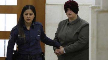 كانت هربات ليها ف 2008.. اسرائيل سلّمات لاستراليا أستاذة متهمة بالاعتداء الجنسي على درّيات صغار