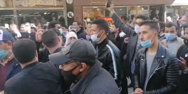 """ولاية أمن كازا ردات على """"مزاعم استخدام القوة والعنف"""" فتفريق مسيرة الأساتذة المتعاقدين"""
