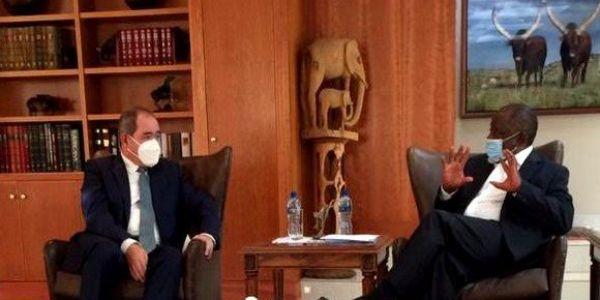 46 عام ديال الفشل. بوگادوم تلاقى رئيس جنوب أفريقيا باش ينسقو مواقفهم من الصحرا فالاتحاد الأفريقي