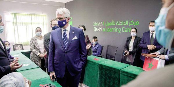 """السفير الأمريكي بالرباط: انا ومراتي تشرفنا بزيارة مركز """"أمديست"""" ومؤسسة فوسبوكراع فالداخلة"""