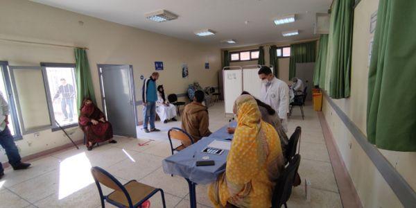حصيلة كورونا واللقاح: 2 مليون و447 ألف تلقحو فالطوطال و621 واحد تشافاو اليوم