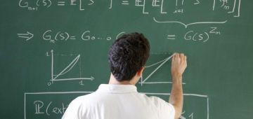 """الأساتذة ديال """"المَاطْ"""" ما عاجبهومش الحال: التعليم بالتناوب موصلشللهدف وخاص ضروري إصدار الأطر المرجعية للامتحانات الإشهادية فأقرب وقت"""