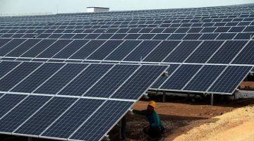 الطاليان : روشيرشي مغربي كشط مزارع للطاقة الشمسية طاح فيد البوليس