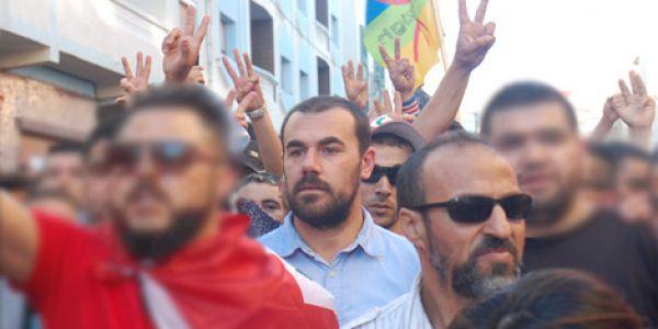 """ناصر الزفزافي اعلن أنه تنحى من """"القيادة"""" ديال حراك الريف وها الرسالة اللي صيفط من الحبس – تدوينة"""