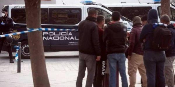 اسبانيا : عمال موسميين مغاربة ودزايريين قلبوها بونية وما فكهم غير البوليس