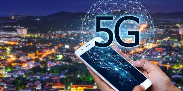 تلفونات 5G الجديدة تقدر تأثر على أجهزة قياس ارتفاع الطيارات