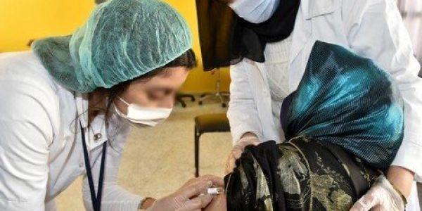 المغرب كيفكر يزيد جرعة ثالثة من فاكسان كورونا