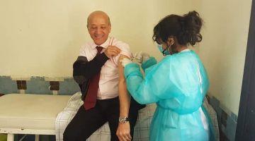 حصيلة كورونا والفاكسان اليوم: 3 مليون و700 الف مغربي خداو الجرعة اللولة من اللقاح و594 تصابو بالفيروس