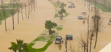 فيضانات تطوان..اكثر من 275 دار دخل عليها الما دالشتا و11 طوموبيل مشات والسلطات ف حالة استنفار