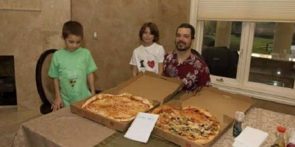 أغلى بيتزا ف العالم.. راجل شرا جوج باكثر من 600 مليون دولار!