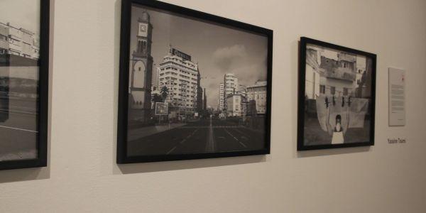 فنانين مصورين كيعاودو على حياتهم فالحجر الصحي فمعرض للصور