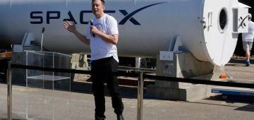 """""""نازا NASA"""" اختارت """"سبايس إكس"""" لإرسال الرواد ديال الفضاء الأمريكيين مستقبلا للقمر – فيديو"""