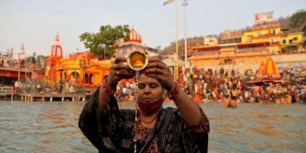 بسبب حفل ديني.. الهند فاتت 200 ألف إصابة بفيروس كورونا وكثر من 1000 واحد مات فنهار واحد