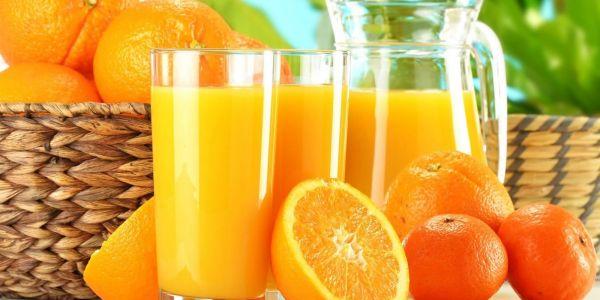 الواحد يشرب و يقيس.. دراسة جديدة كشفات الخطر اللي كيتسبب فيه عصير الليمون!