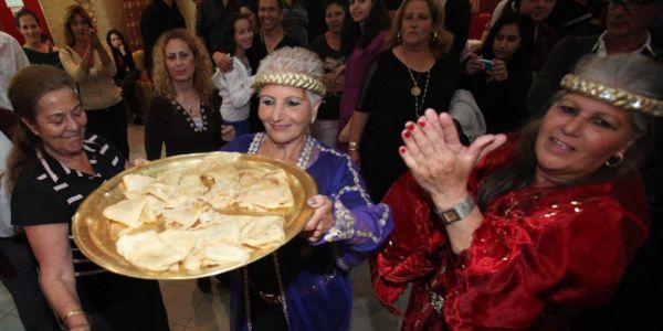 """السفير كَوفرين محتفل بعيد اليهود المغاربة """"الميمونة"""" – تويت"""