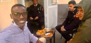 شاب إيفواري كيعاود قصة مؤثرة وقعات ليه مع البوليس ف كازا وقت لفطور– ستوري و تصويرة