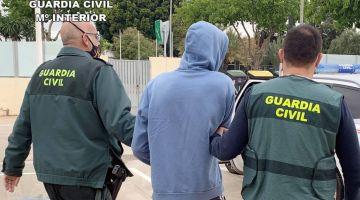 الصبليون : 8 سنين دالحبس لضابط فـ الشرطة خذا رشاوي من الحراگة