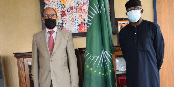 مفوض الاتحاد الأفريقي للشؤون السياسية والسلم والأمن تلاقى ممثل البوليساريو