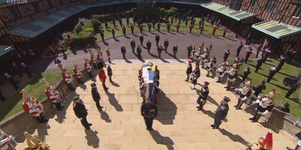 """هذا ماشي """"مثواه الأخير"""". الأمير فيليب غيتدفن جوج مرات..غادي يحطوه حدا الملكة إيليزابيث فاش تموت"""