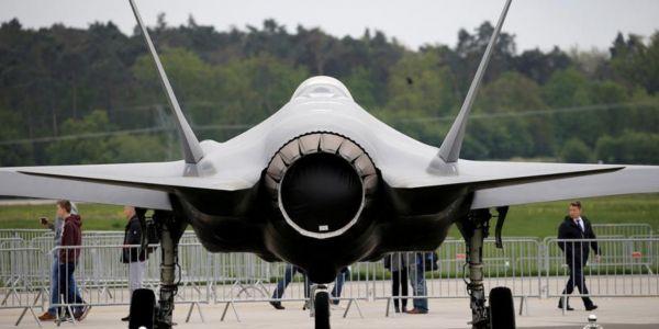 """ساوية 23 مليار دولار.. ادارة بايد قررات تكمل صفقة """"إف-35"""" اللي دار ترامب مع الإمارات"""