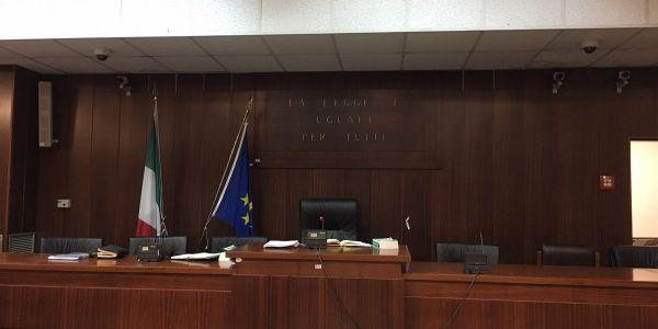 الطاليان :8 سنين ديال الحبس لمتهمين بمحاولة قتل مغربي بالقرطاس