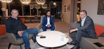 """لقجع كَلس مع الحكم بوعديلة اللي تعرض لاعتداء خايب من لعاب فرقة """"رجاء زواغة"""" – تصويرة"""