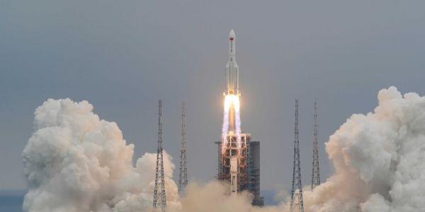 صاروخ شنوي فقد السيطرة ويقد يطيح ويتسبب فكارثة بشرية