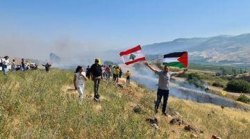 الجيش الاسرائيلي قتل شاب لبناني كان مع مئات اخرين باغيين يقتاحمو الحدود