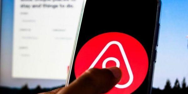 """بعد أكثر من 5 سنين على الجريمة..تعويض بفلوس صحيحة لسائحة تعرضات للإغتصاب فـ دار تابعة لـ""""Airbnb"""""""