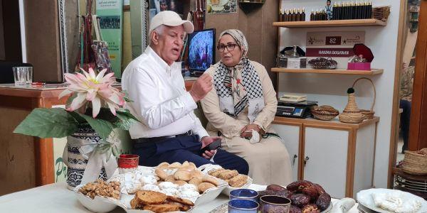 """فلسطين منوضاها سياسيا فـ فاس.. السفير دار جولة مع مرشحة """"التراكتور"""" فـ المدينة القديمة – تصاور"""
