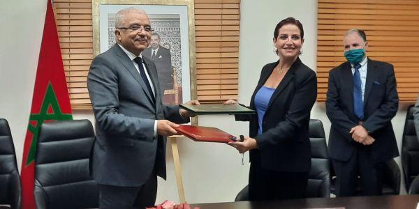 """المبادرة الوطنية للتنمية البشرية وقعات اتفاقية شراكة مع جمعية """"جود"""" لإنقاذ المتشردين"""