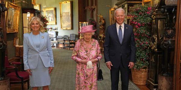 ها كيفاش استقبلات الملكة إليزابيث الرئيس المريكاني جو بايدن فقصر ويندزور – فيديو