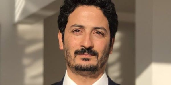 """طرح فكرة طوموبيلات ديال الضو بلا باتري.. المخترع المغربي ماجد البوعزاوي خدا """"جائزة المستقبل"""" فاليابان"""