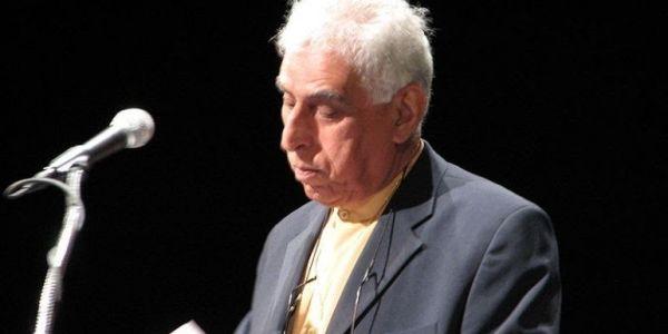 عملاق الجيل الضائع ديال الشعر العربي مات فبريطانيا