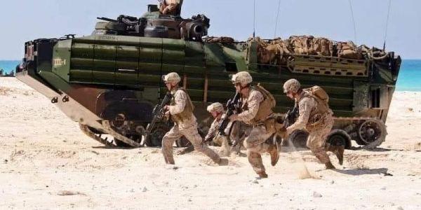 من قلب المحبس.. مناورات الأسد الأفريقي تواصل عملياتها العسكرية ف الصحرا بتنفيذ تمارين حربية -تصاور