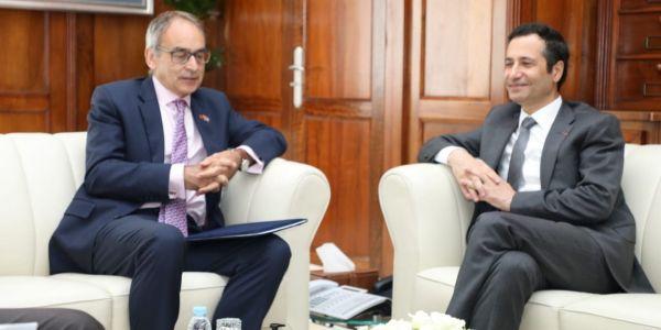 التعاون المغربي البريطاني.. ها تفاصيل الإجتماع اللي دارو اليوم بنشعبون مع سفير المملكة المتحدة
